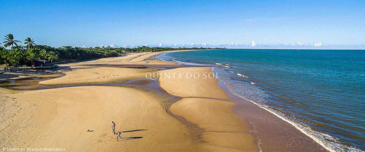 Dia de Sol na Praia de Taperapuan