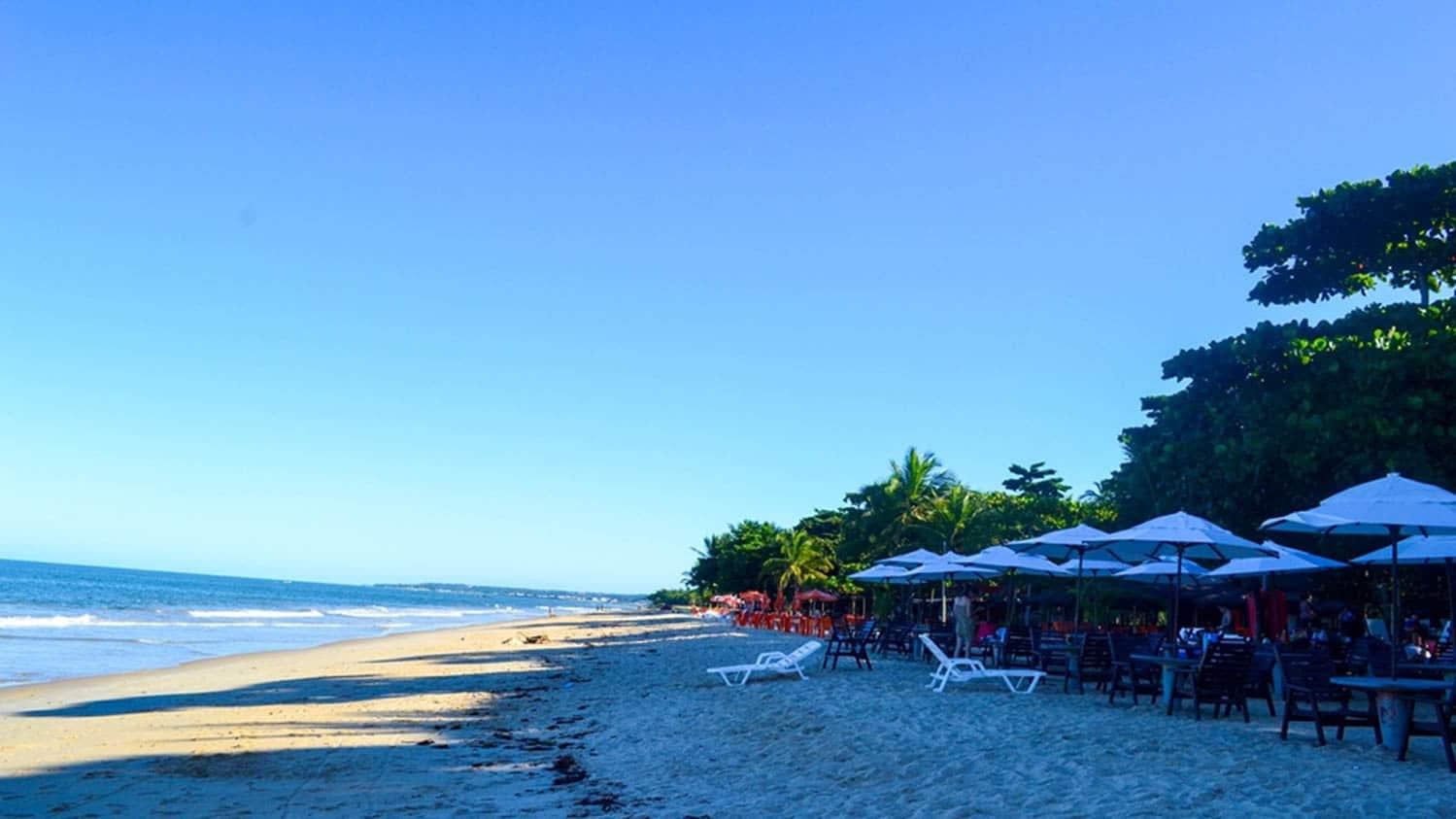 Praia do Mundaí Ensolarada