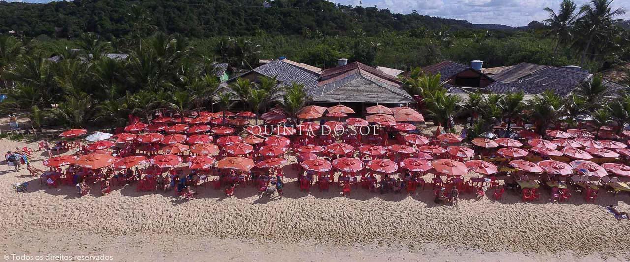 Restaurante na Praia dos Nativos