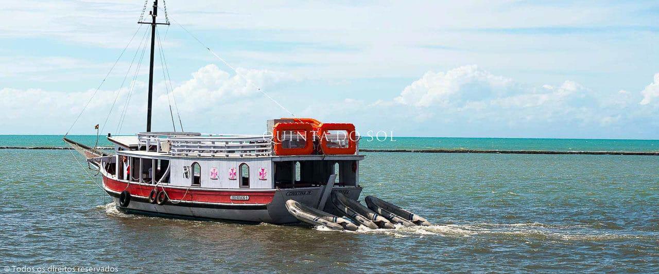 Embarcação para Recife de Fora
