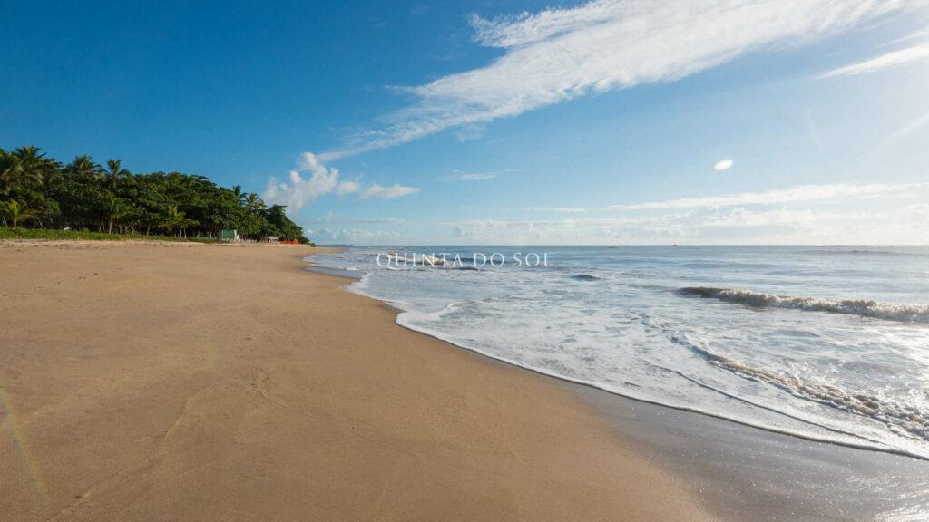 Areia e mar da Praia de Curuipe