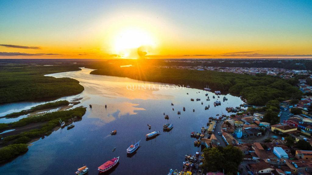 Bonito pôr do sol em Porto Seguro