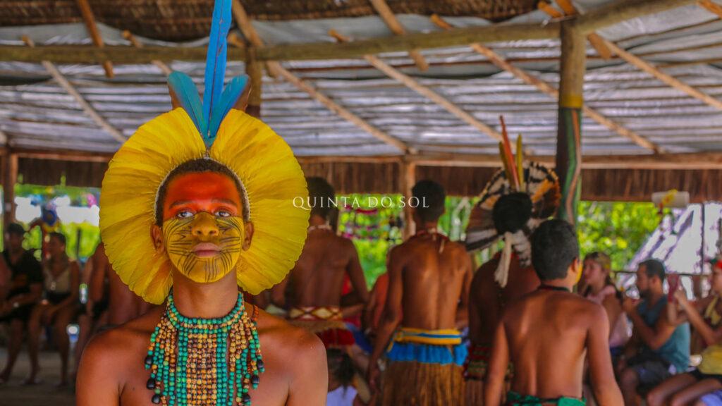 indigenas na praia de coroa vermelha