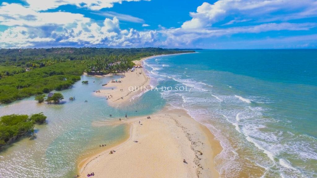 Paradisíaca Praia dos Nativos