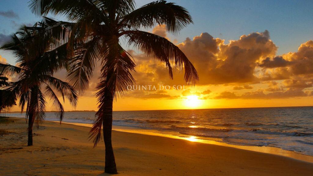 Pôr do sol em Trancoso na Praia dos Coqueiros