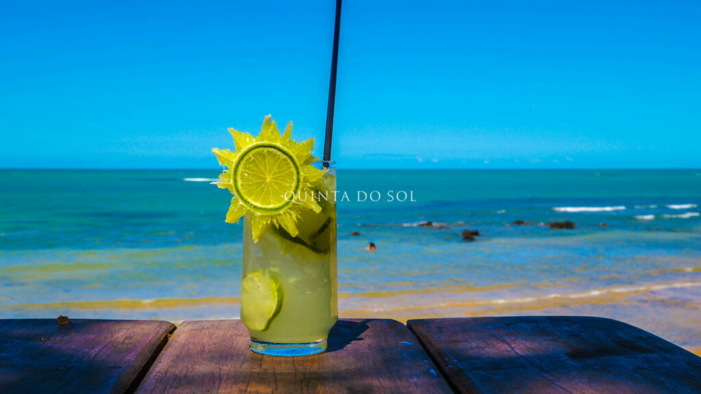 Drink na Praia do Espelho