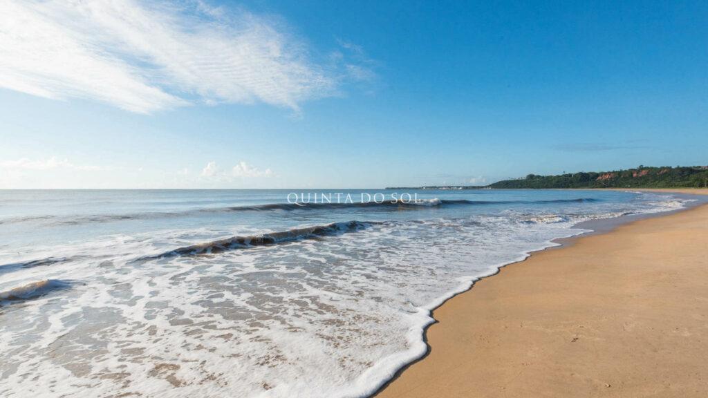 Mar calmo da praia de Curuipe