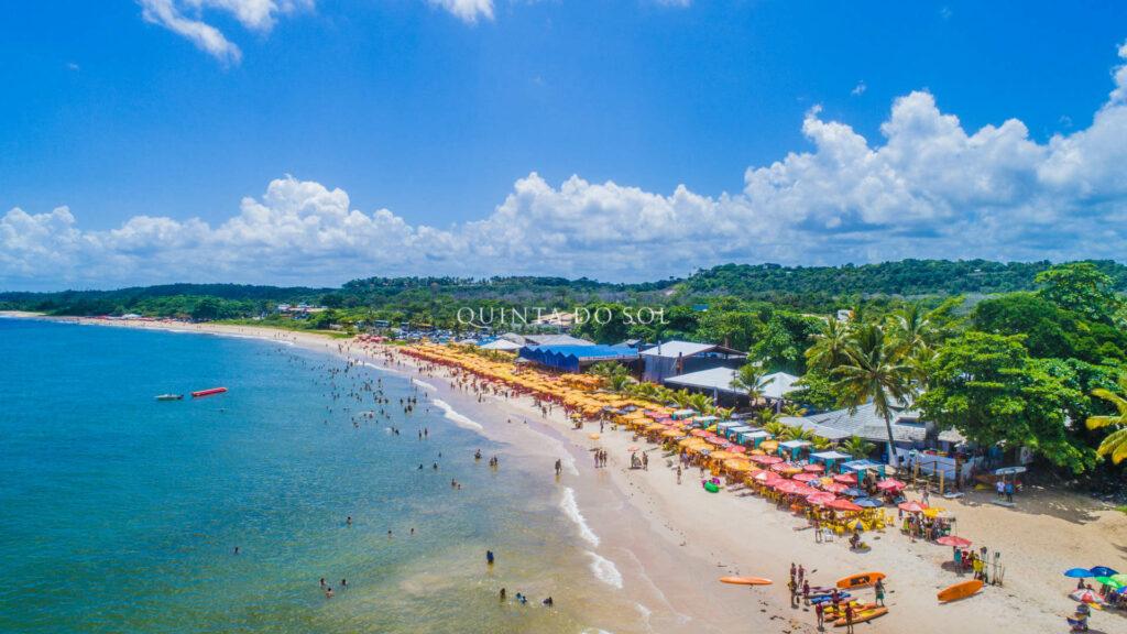 Praia de Taperapuan Movimentada.